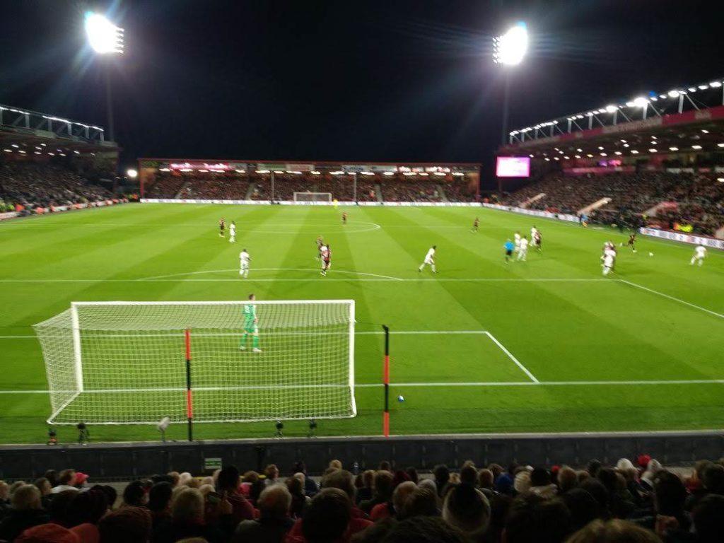 ボーンマス、クリスタル・パレスFCを2-1で打ち負かす!