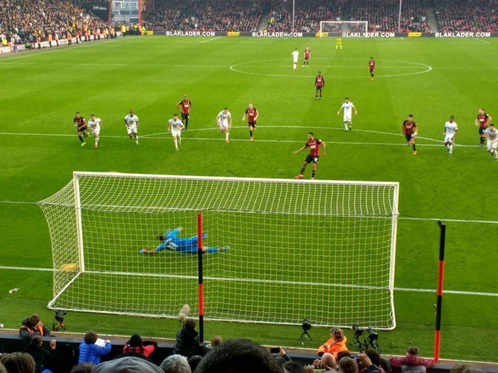 AFCボーンマス、ウルヴァーハンプトン・ワンダラーズFC戦で1-1の同点